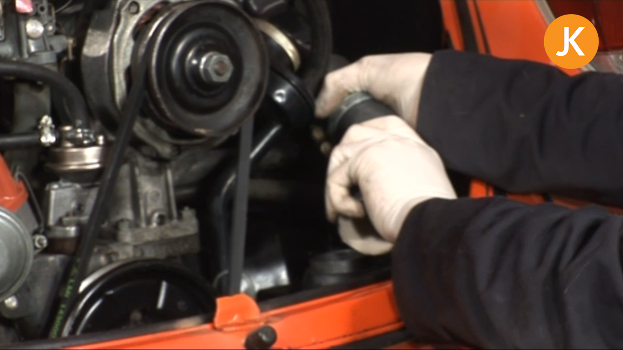 Replace the heater hoses on a VW engine